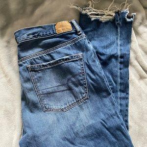 AE Girlfriend jeans